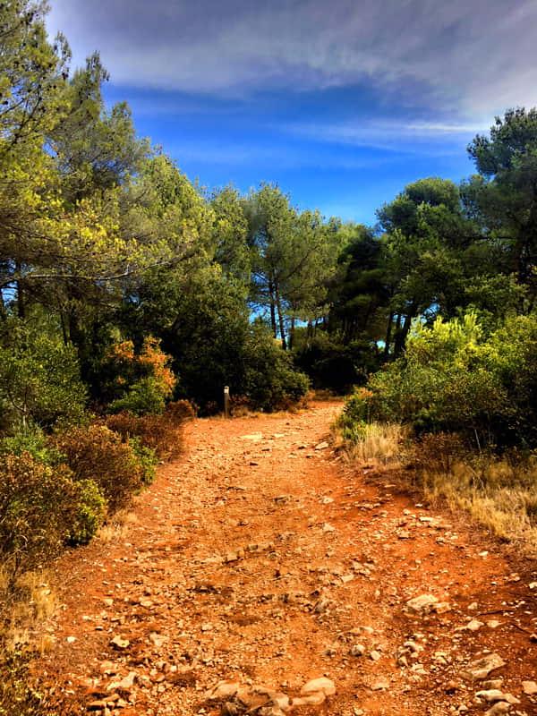 Provence paysage sentier randonnee