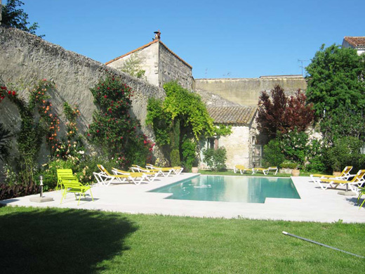 Chambres d'hôtes de charme , Les Jardins de la Livrée, villeneuve les avignon 30400
