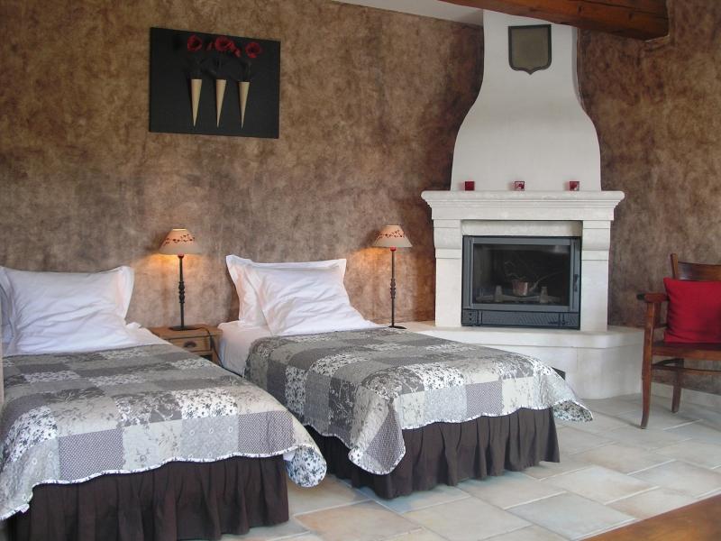 Chambres d'hôtes Bordier lacoste 84480 N° 3