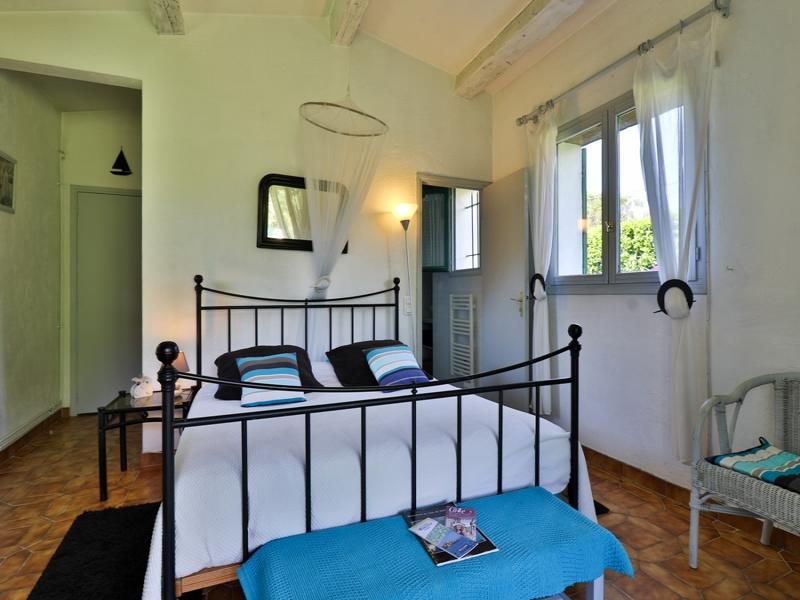 Chambres d'hôtes Ronin-Pillet colle sur loup 06480 N° 8