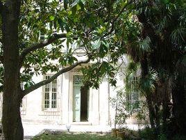 Chambres d'hôtes de charme , Château Cornillon, arles 13200