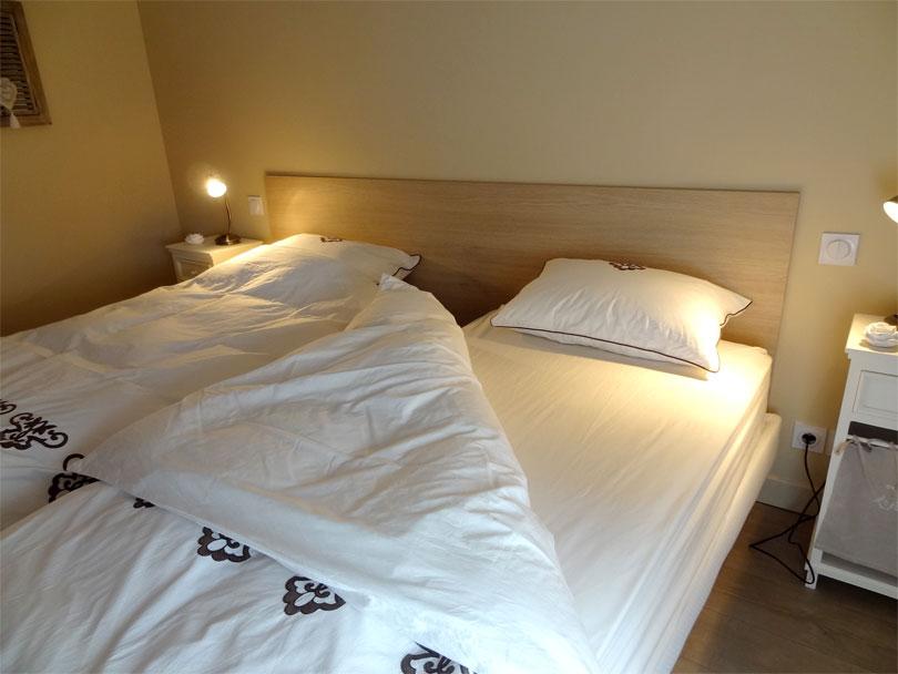 chambre d 39 h tes la ferme du caillou cailloux sur fontaines 69270. Black Bedroom Furniture Sets. Home Design Ideas