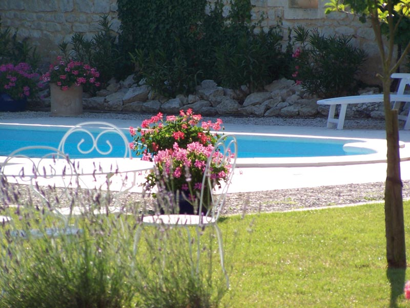 Chambre d 39 h tes le four pain saint jean d 39 ang ly 17400 - Piscine st jean d angely ...