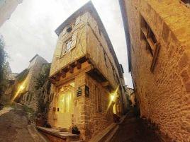 Chambres d'hôtes de charme , L'Ostal Del Sabatier, bruniquel 82800