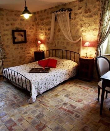 Chambres d'hôtes Debard garde adhemar 26700 N° 3