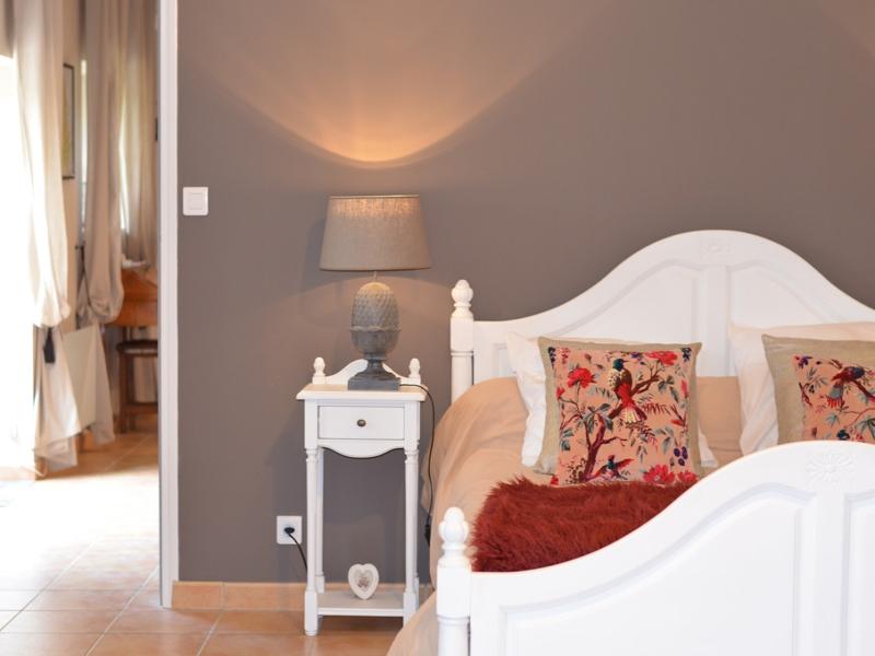 Chambres d'hôtes Agnès cabanes 12800 N° 10